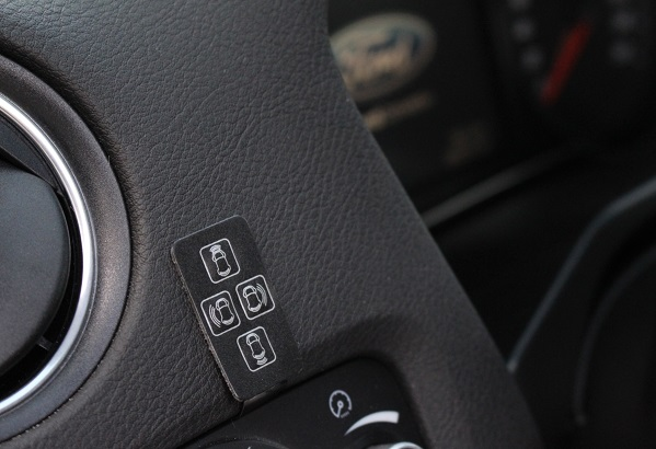 Селектор видеосигнала Ksize CAM-SV180UN в магазине автозвука и аксессуаров kSize.ru