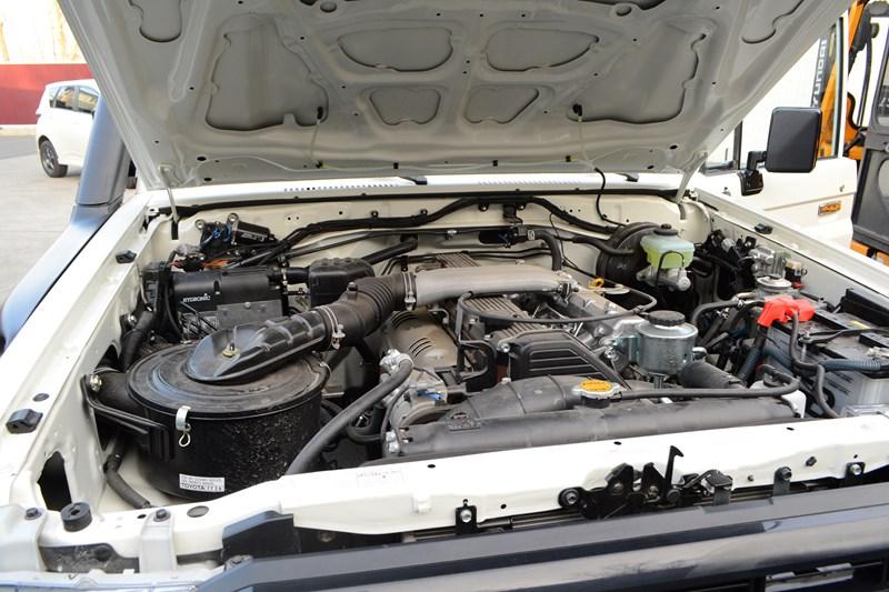 Установка предпускового подогревателя мотора на Toyota Land Cruiser 78 в магазине автозвука и аксессуаров kSize.ru