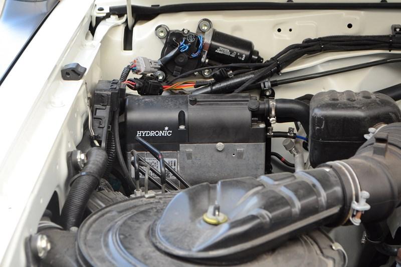 Установка предпускового подогревателя мотора для Toyota Land Cruiser 78 в магазине автозвука и аксессуаров kSize.ru